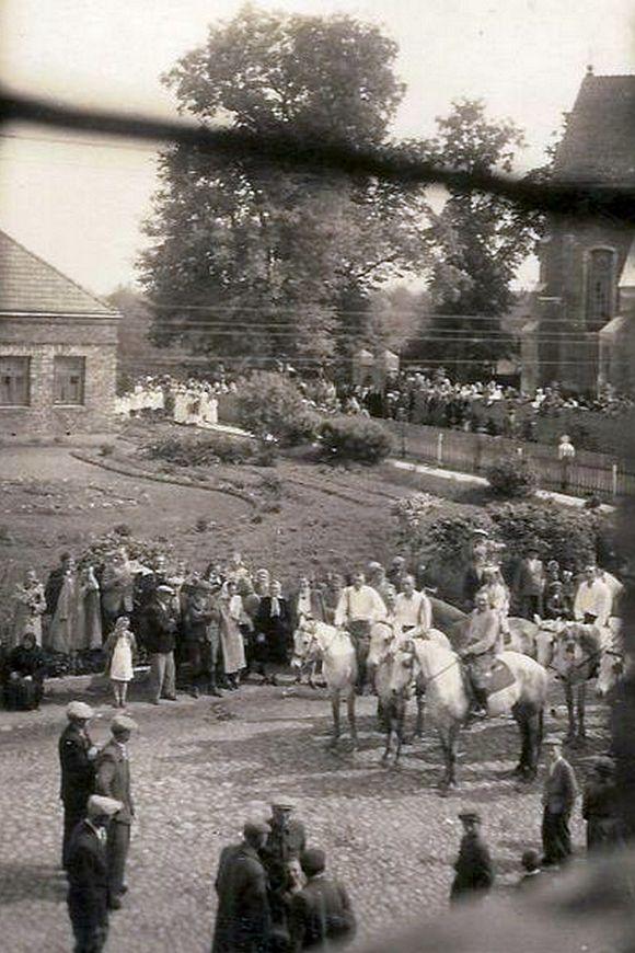 Powitanie biskupa Czesława Falkowskiego, 2 czerwca 1955 roku