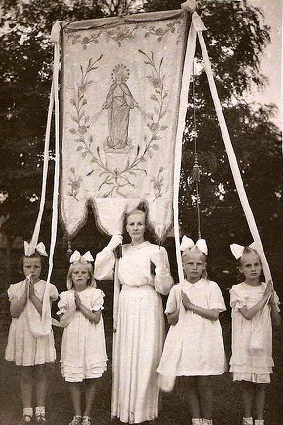 Chorągiew z kościoła w Andrzejewie, rok 1957
