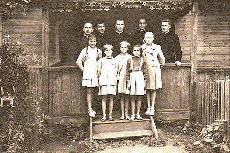 Klerycy w Andrzejewie, ok. 1955 r.