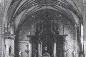 Prezbiterium kościośa wAndrzejewie - układ przedsoborowy