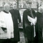 Jena z ostatnich wizyt Prymasa Wyszyńskiego w Andrzejewie, drugi z lewej ks. Jan Tyszka