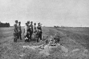 Generał Józef Haller na froncie. Źródło: Tygodnik Ilustrowany, nr 33, 14 sierpnia 1920r.